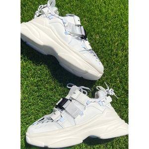 Last 8.5, 9, 10🖤Flatform - Buckle Lace Up Sneaker